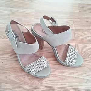 Lucky Brand Taupe Sandals